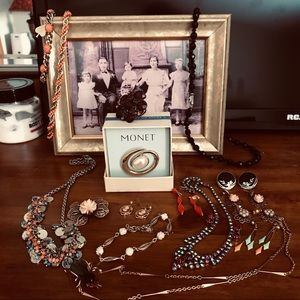 Vintage jewelry lot 20 pieces variety of pieces